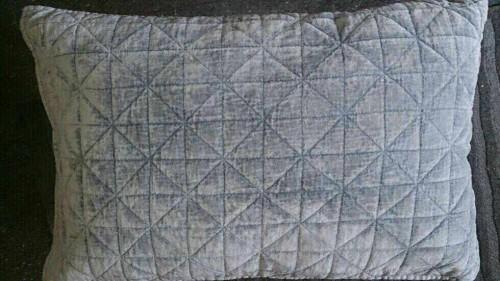 Square velourpute 40x60 GRÅBLÅ